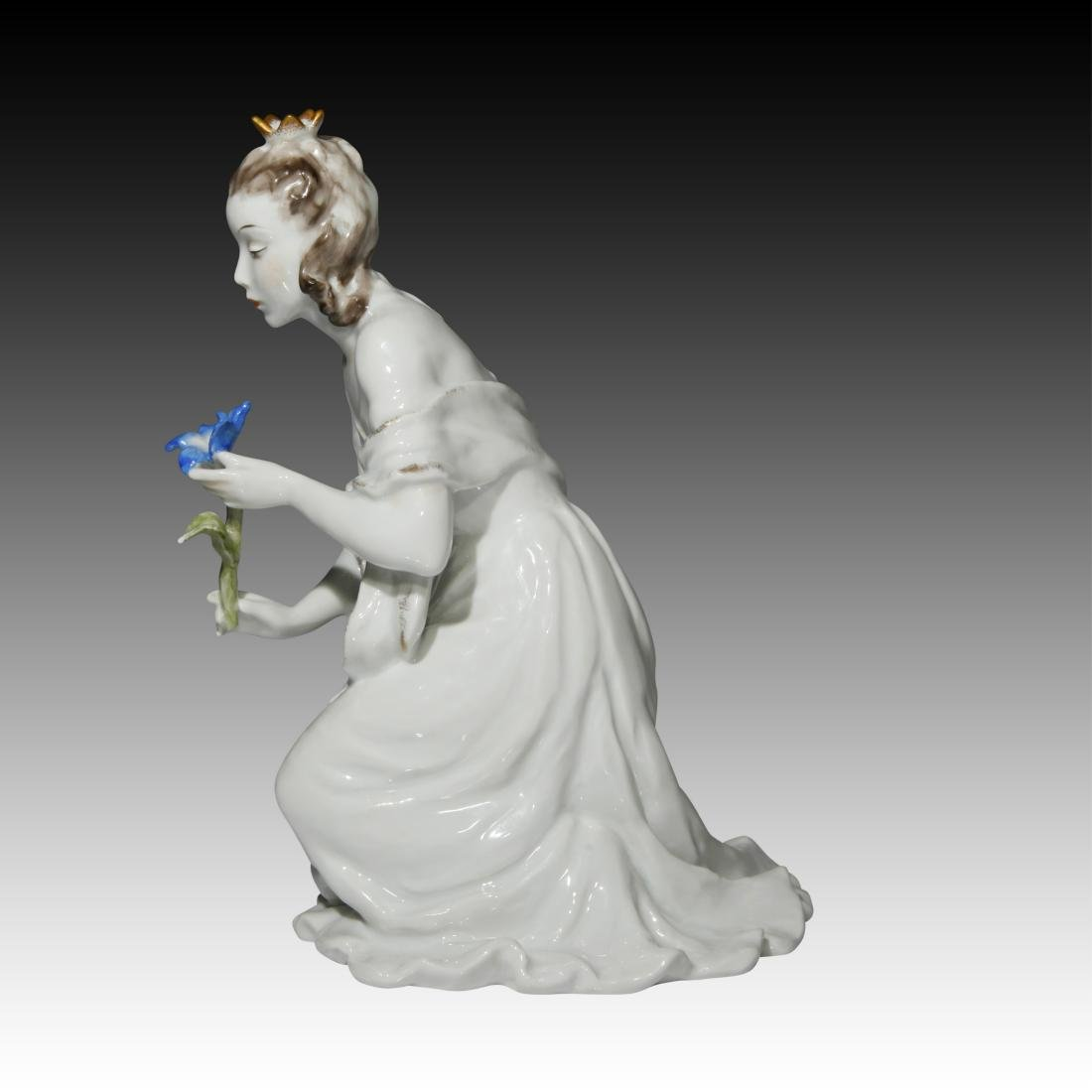 Rosenthal Figurine Princess with Flower # 7012 - 2