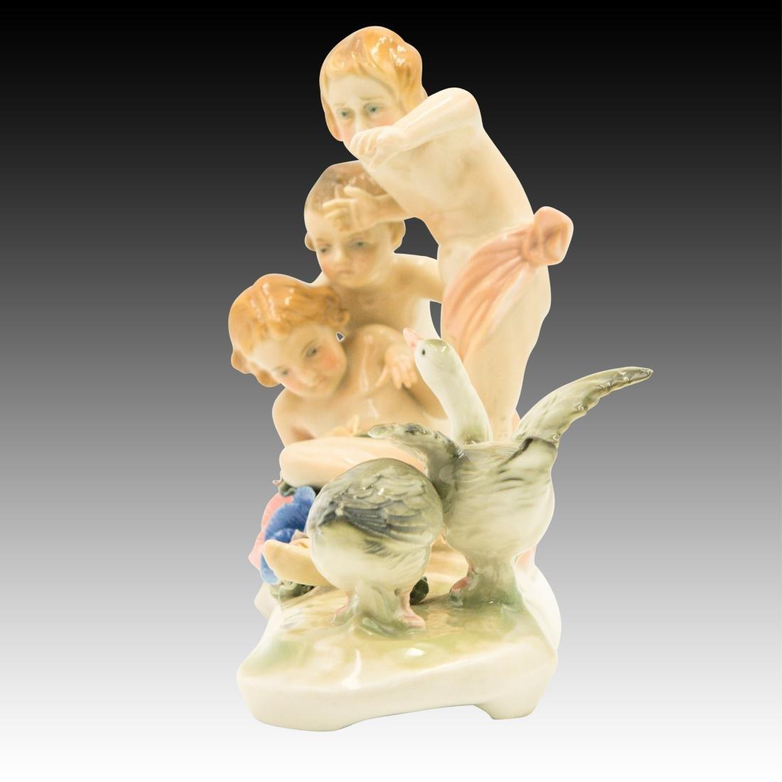 Karl Ens Figurine Children versus the Ducks - 4