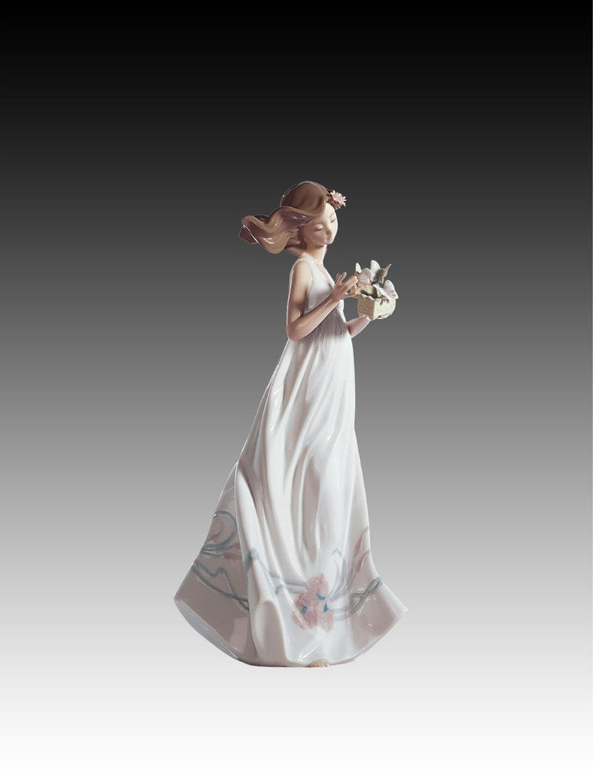 Lladro Butterfly Treasures Figurine 6777