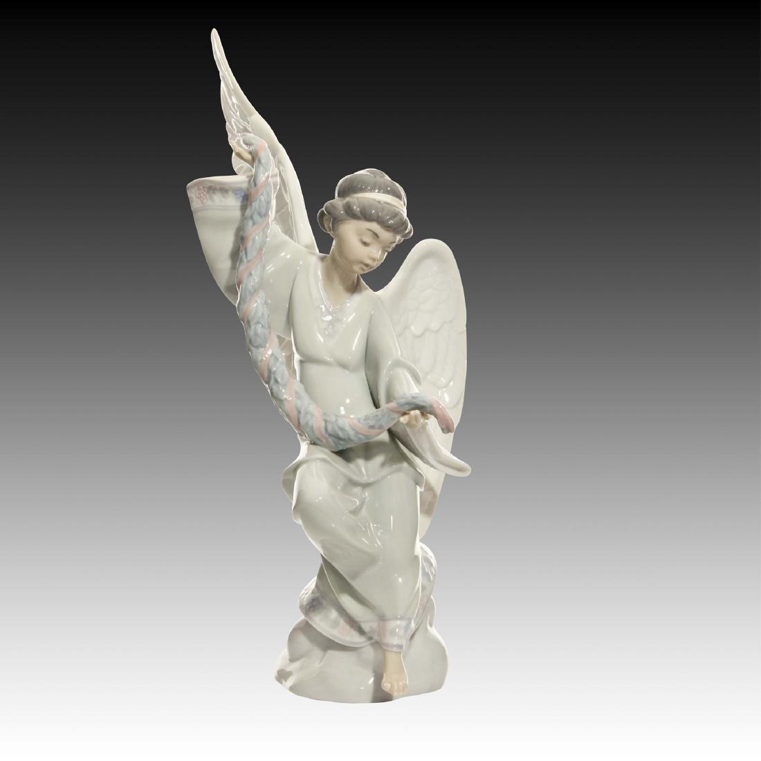 Lladro Angel with Garland Figurine 6133 Retired