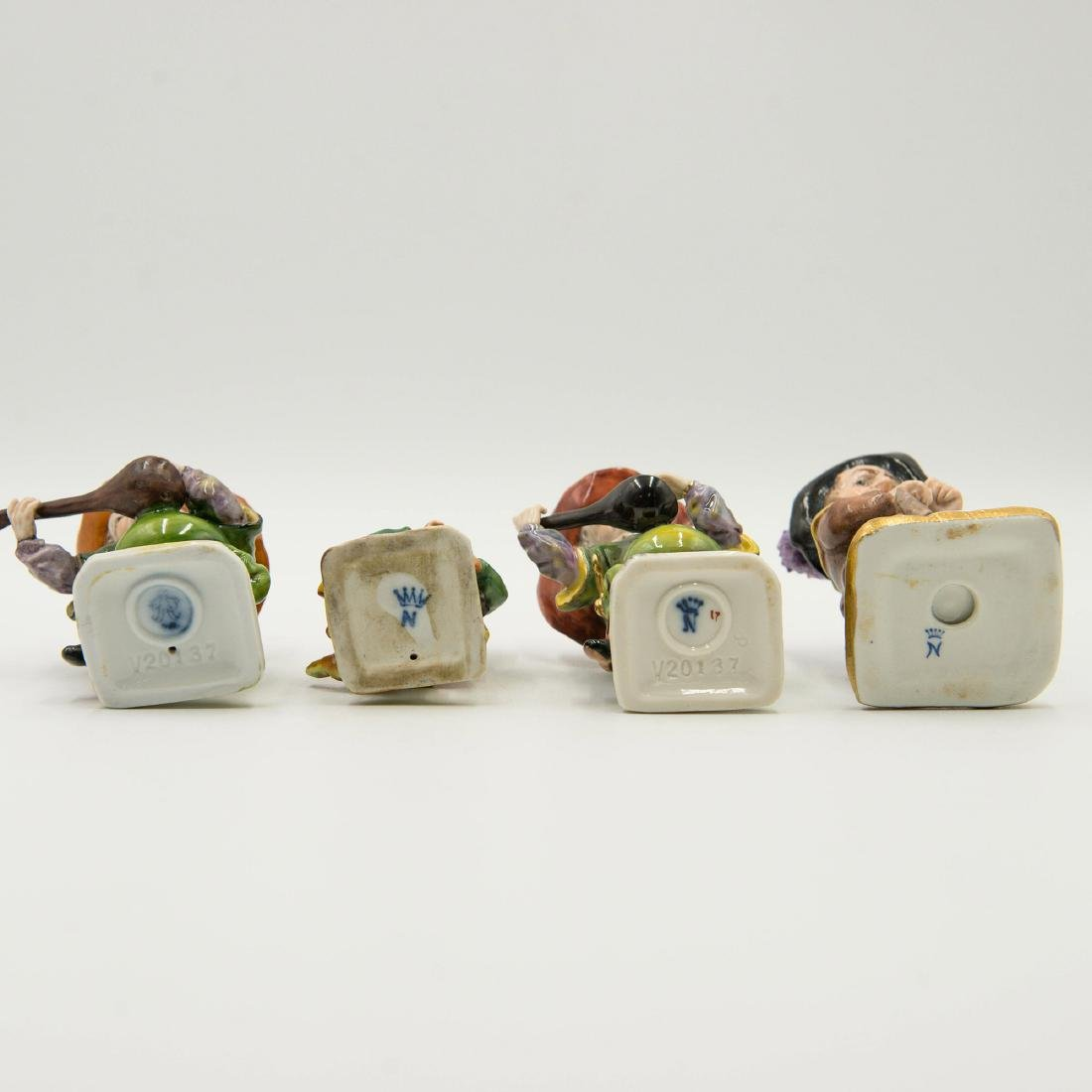 Capodimonte Porcelain Group of 4 Gnomes Dwarfs - 5