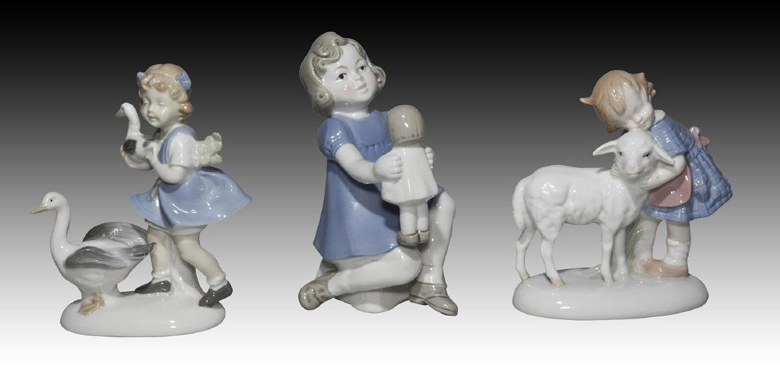 Group of 10 German GDR Porcelain Figurines of Kids - 4