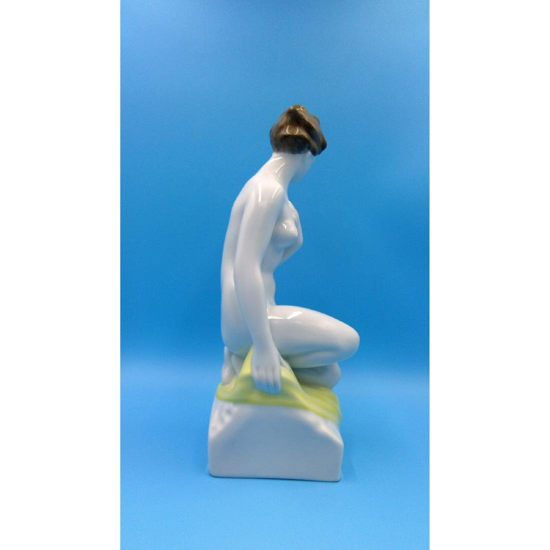 HUNGARIAN PORCELAIN HOLLOHAZA NUDE WOMAN FIGURINE - 4