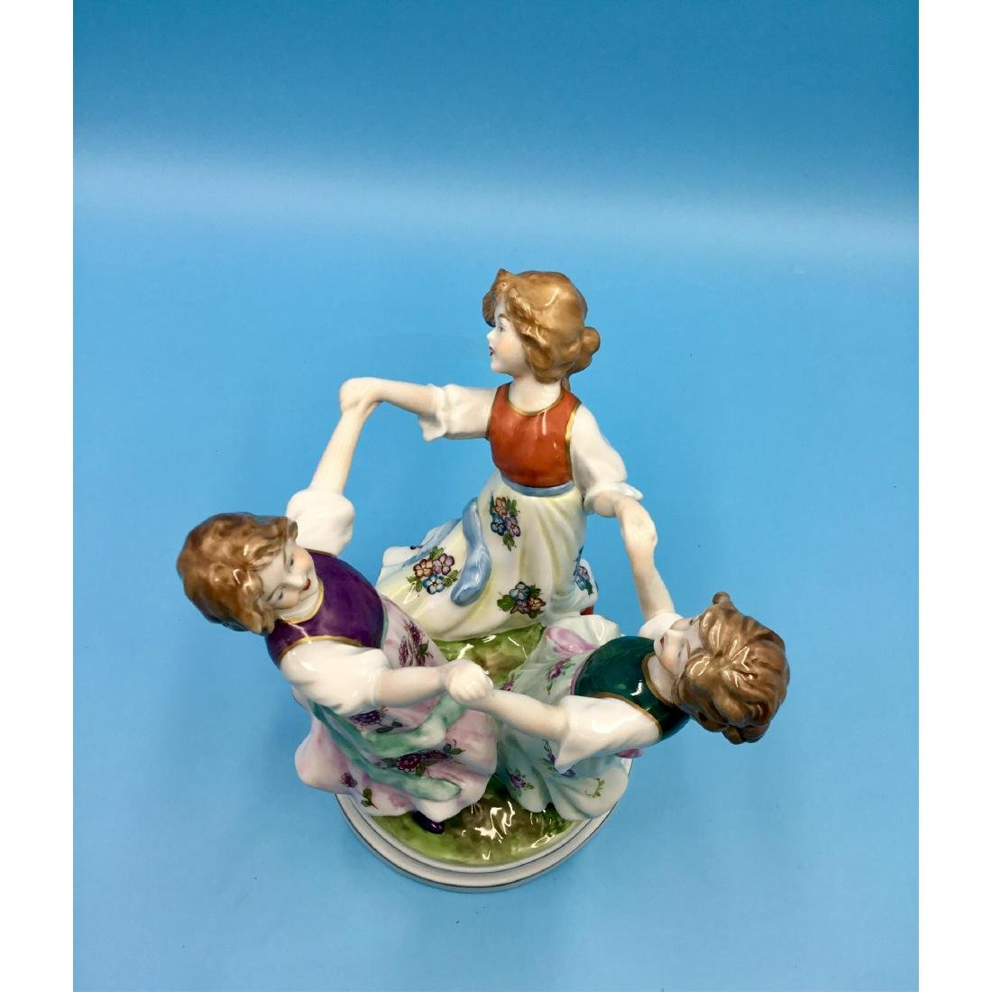 SITZENDORF GERMAN PORCELAIN FIGURINE GIRLS - 4