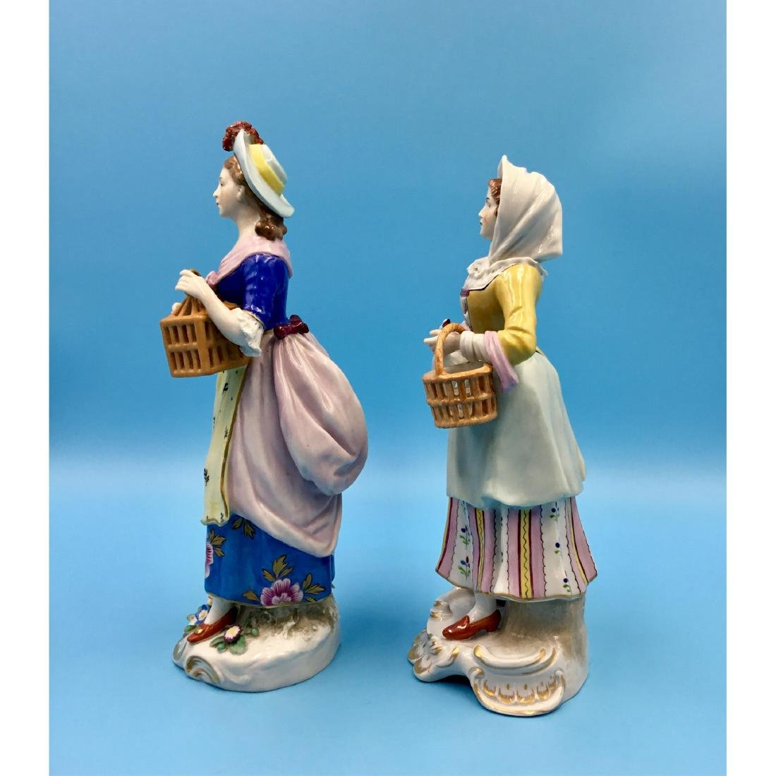 PAIR OF SITZENDORF GERMAN PORCELAIN FIGURINES - 2