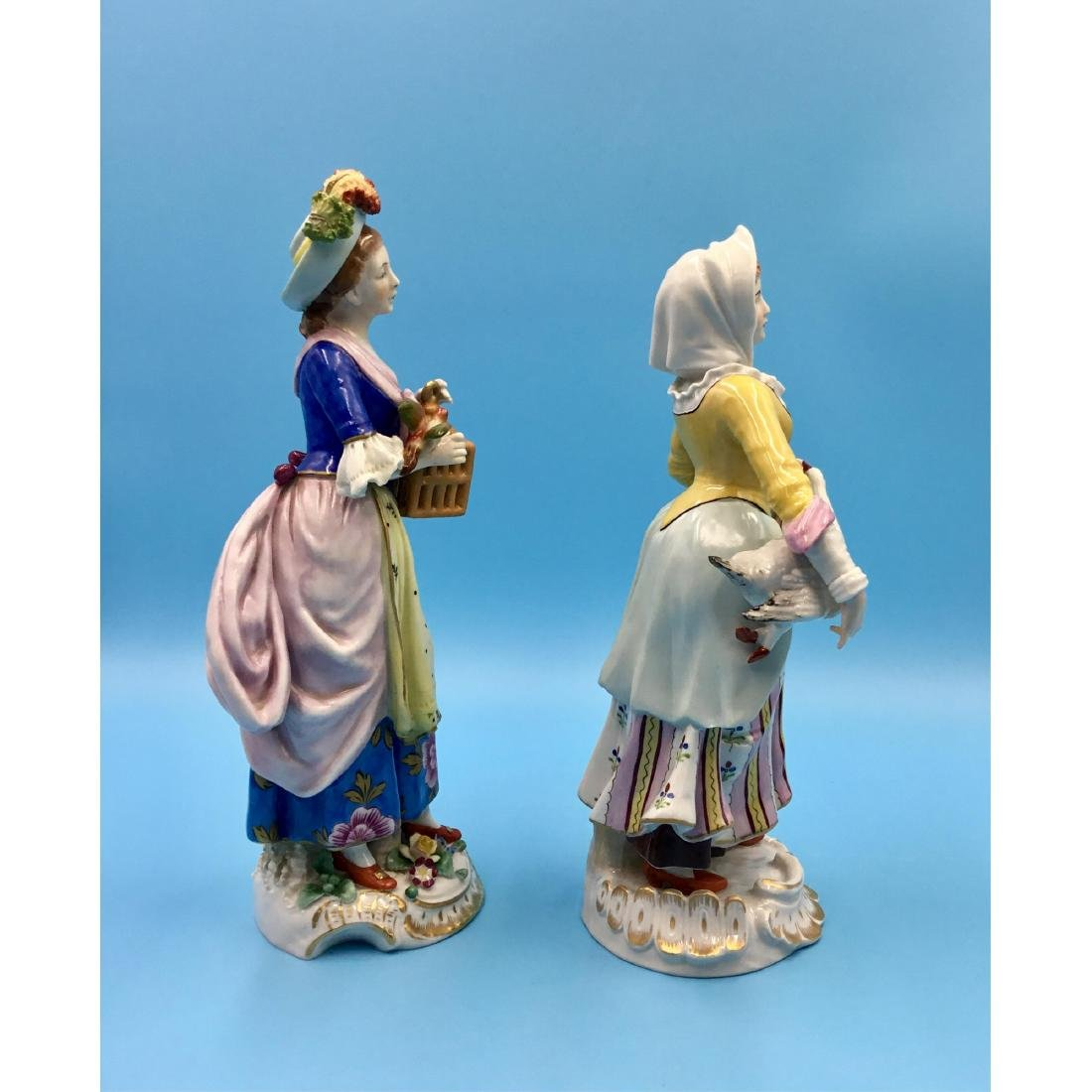 PAIR OF SITZENDORF GERMAN PORCELAIN FIGURINES - 4