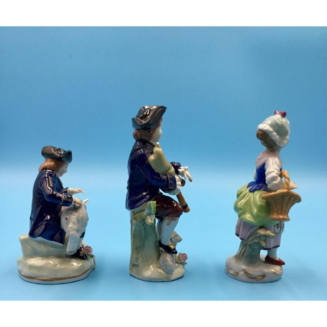 GROUP OF 3 SITZENDORF GERMAN PORCELAIN FIGURINES - 4