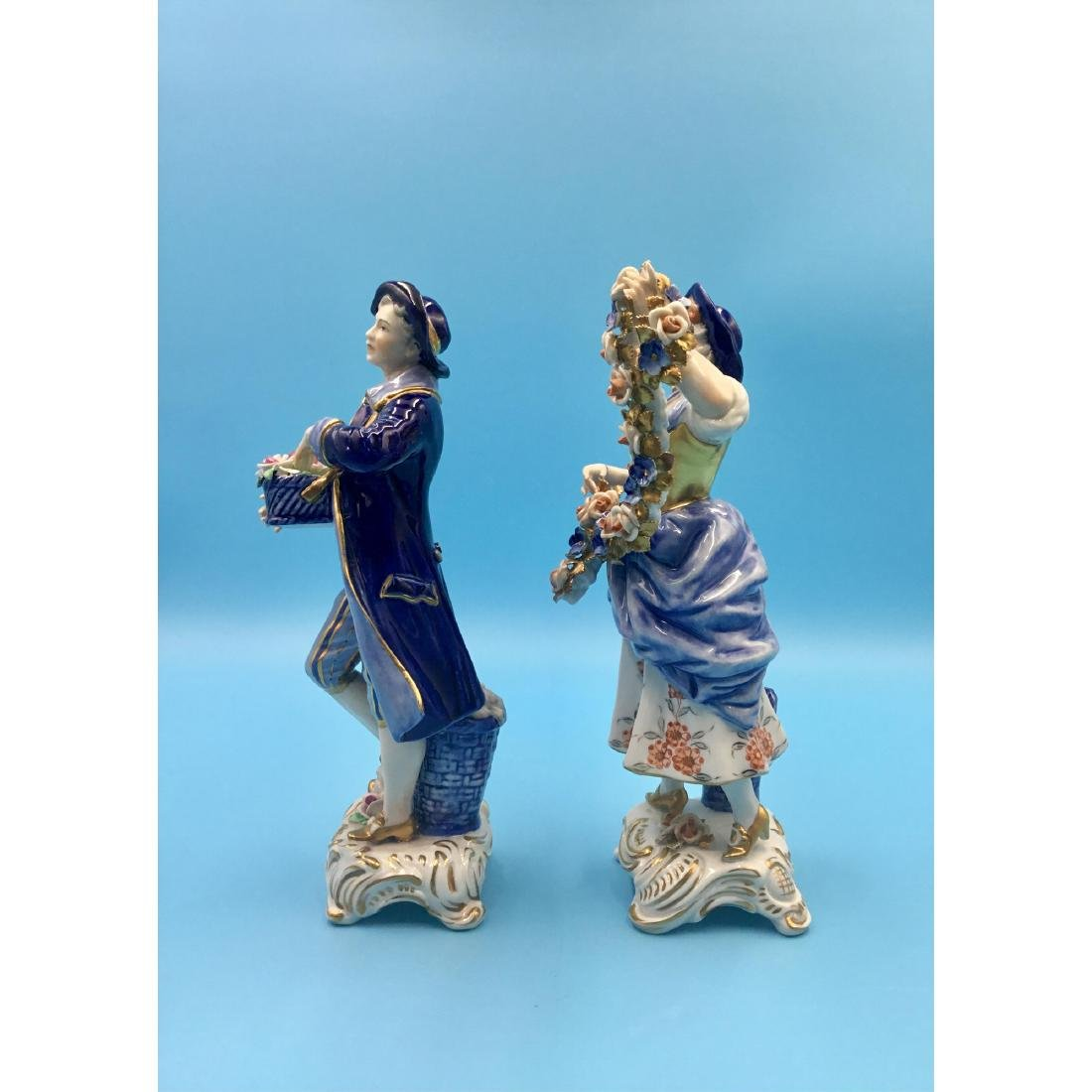 PAIR OF GERMAN PORCELAIN COUPLE FIGURINES - 2