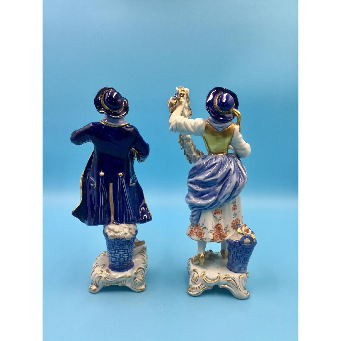 PAIR OF GERMAN PORCELAIN COUPLE FIGURINES - 3
