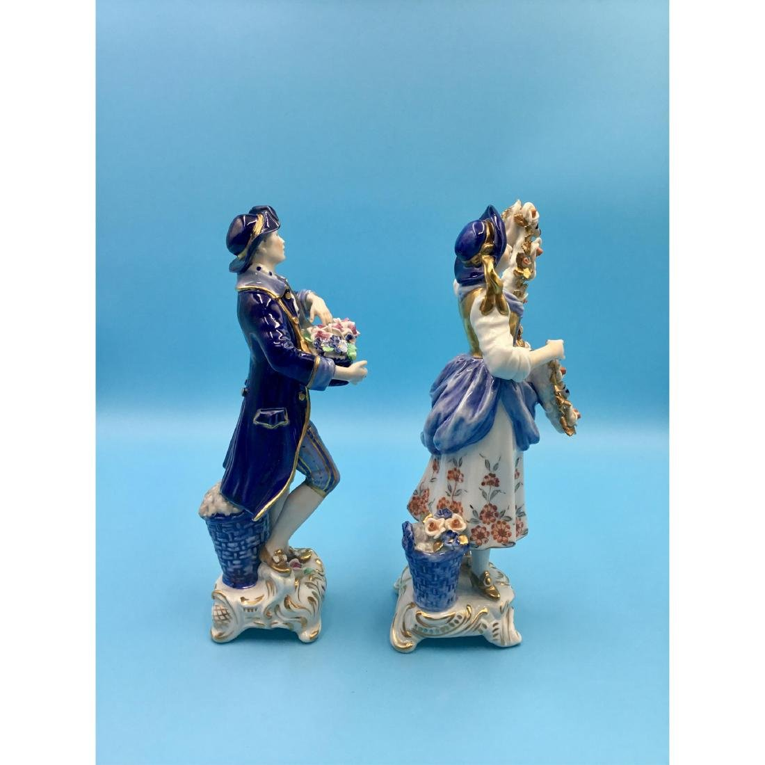 PAIR OF GERMAN PORCELAIN COUPLE FIGURINES - 4