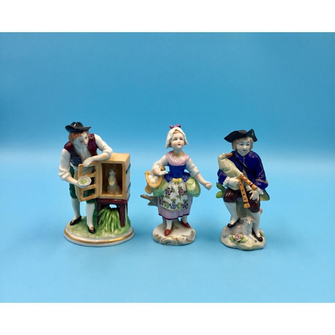 GROUP OF 3 SITZENDORF GERMAN PORCELAIN FIGURINES
