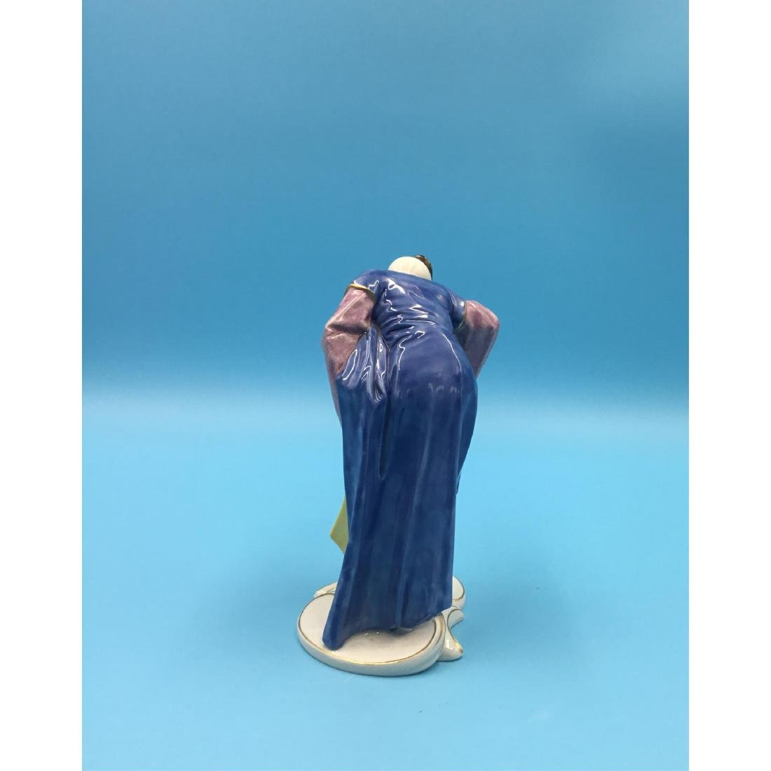 NYMPHENBURG CHINOISERIE GERMAN PORCELAIN FIGURINE - 3