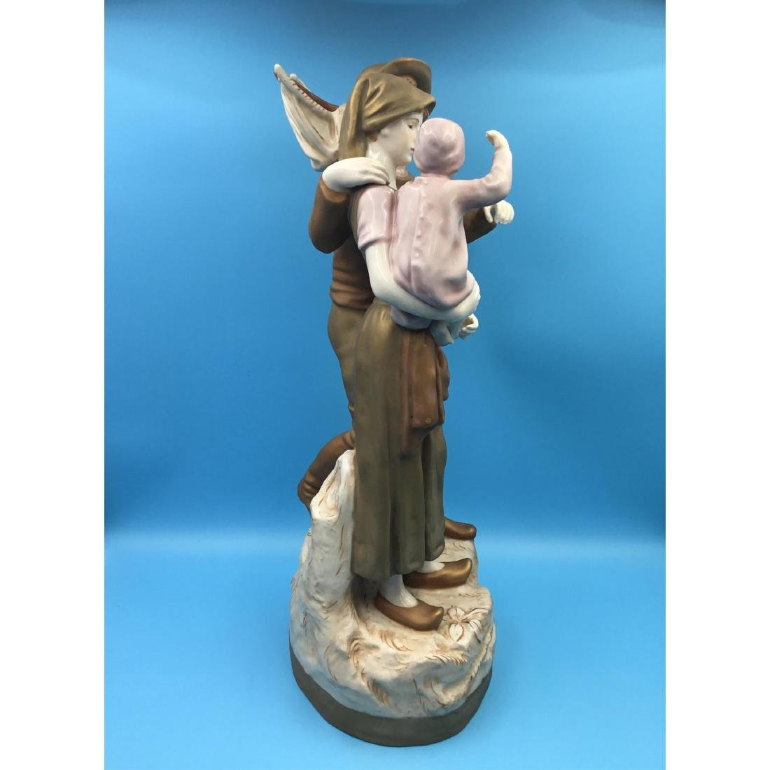 LARGE ROYAL DUX BOHEMIAN PORCELAIN SCULPTURE - 4