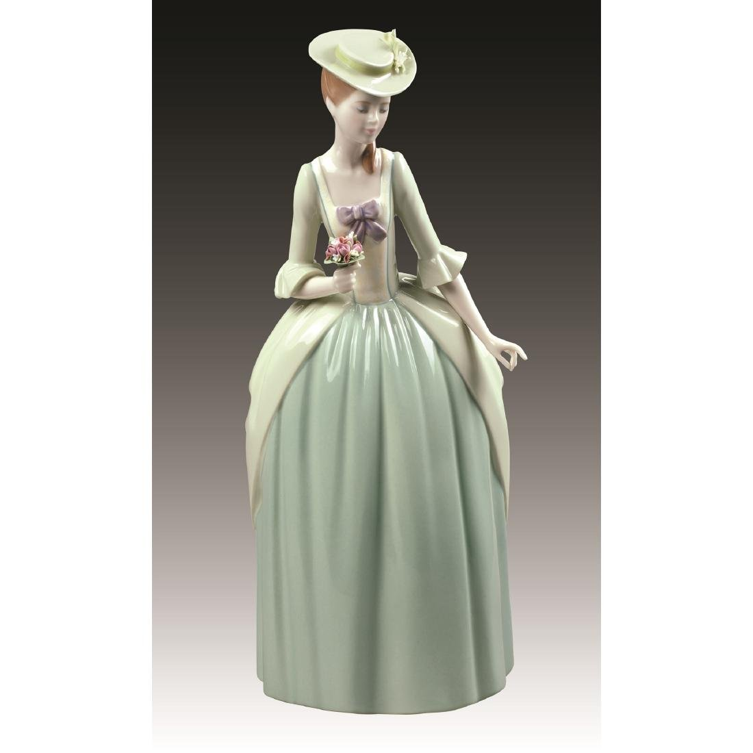 LLADRO FLORAL SCENT FIGURINE 9181
