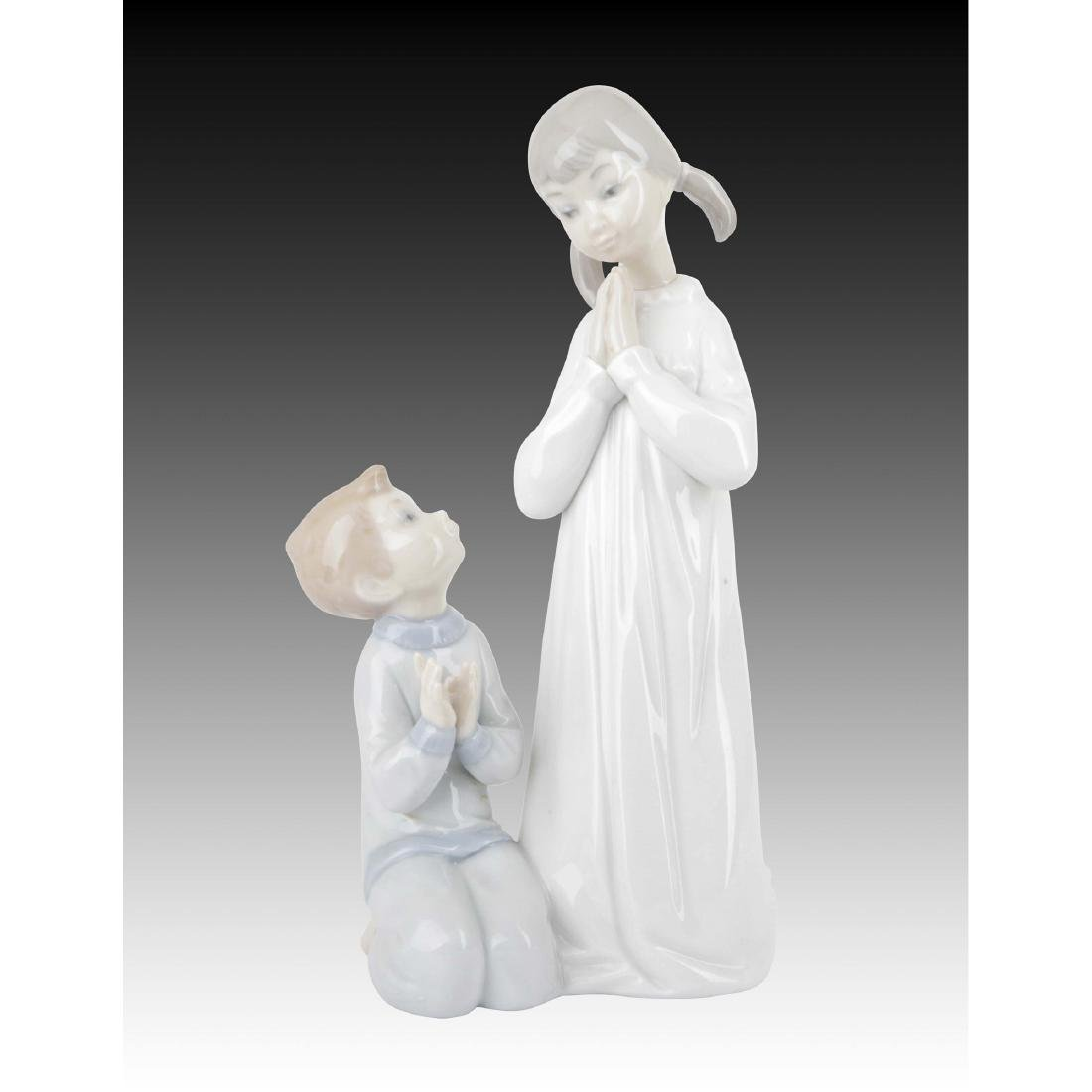 LLADRO TEACHING TO PRAY FIGURINE 4779 RETIRED 1997