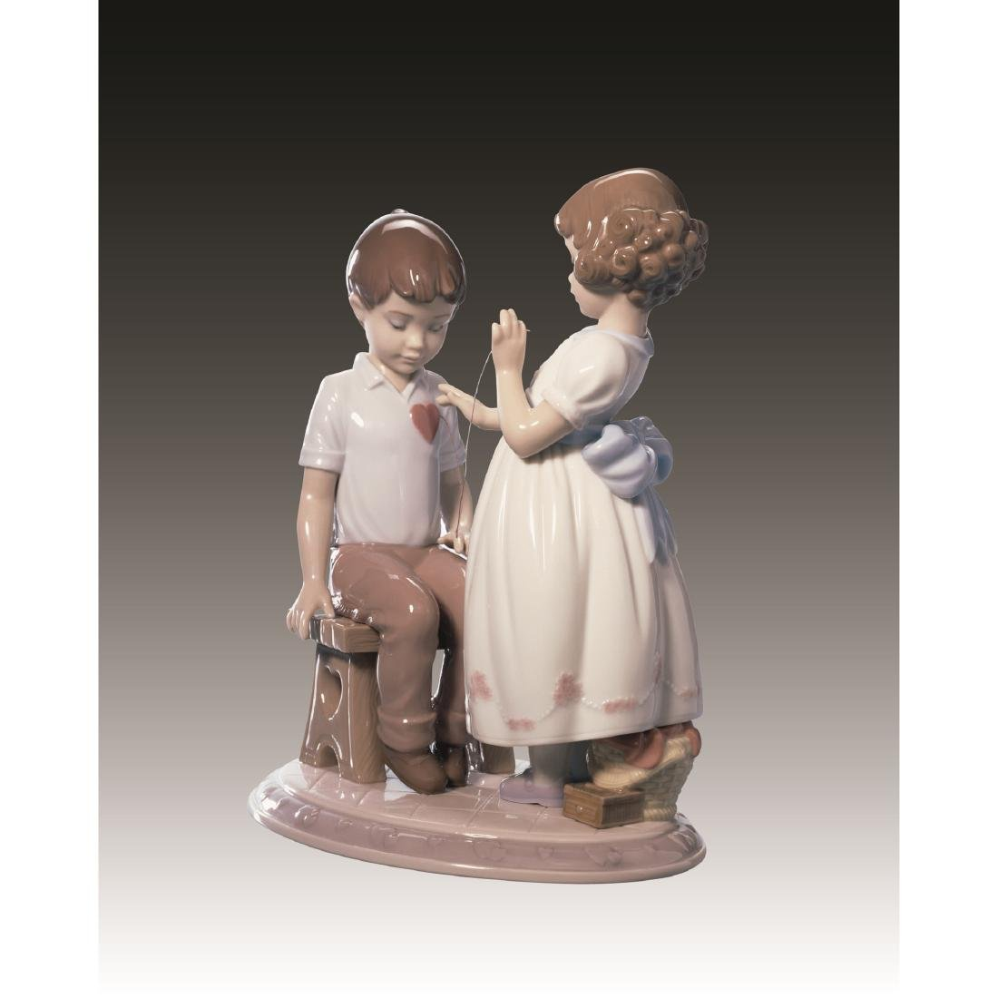 LLADRO WITH ALL MY HEART FIGURINE 6906 RETIRED