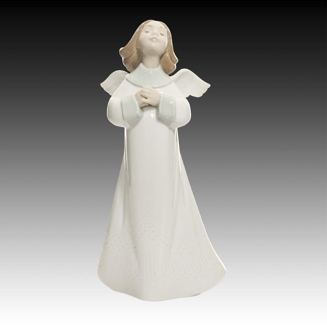 LLADRO AN ANGEL'S WISH FIGURINE 6788