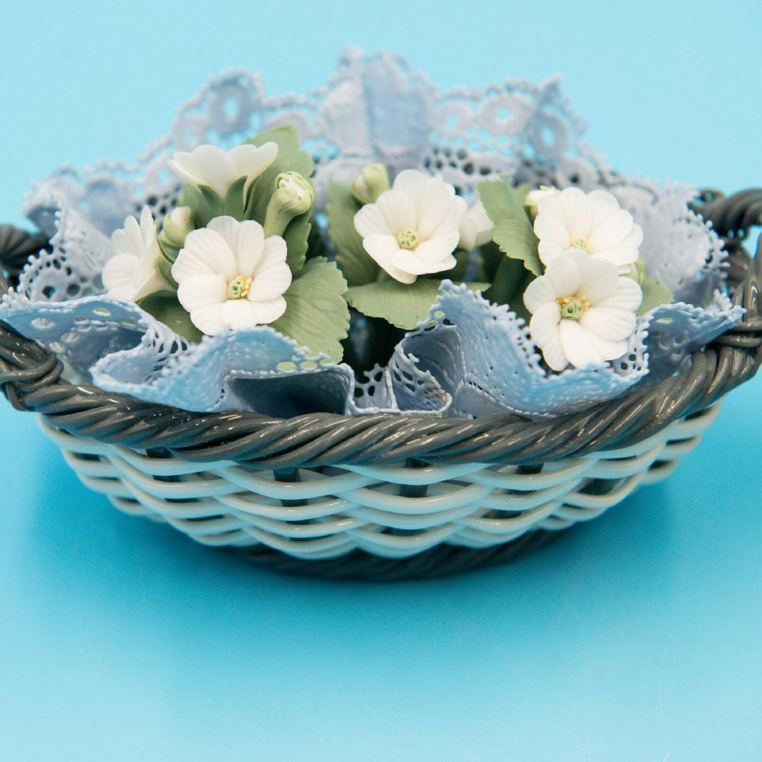 LLADRO 2 SMALL PORCELAIN FLOWER BASKETS - 4