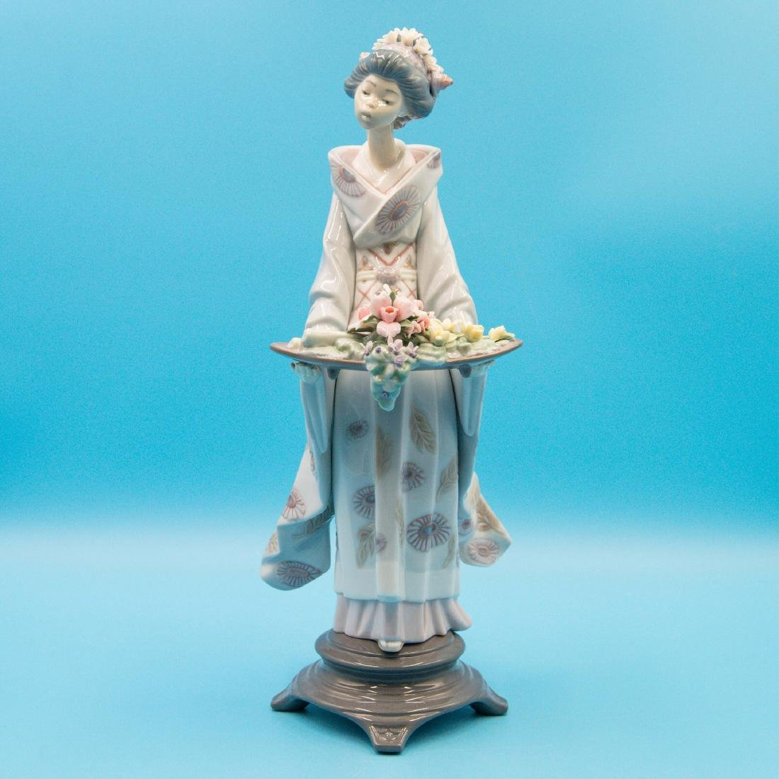 LLADRO NATURE'S GIFTS PORCELAIN FIGURINE