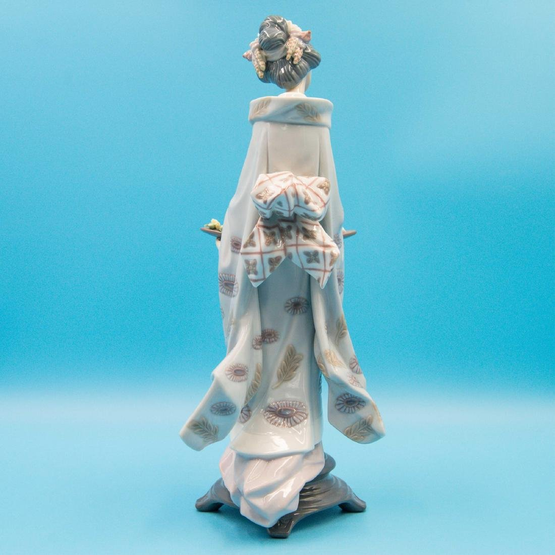 LLADRO NATURE'S GIFTS PORCELAIN FIGURINE - 3