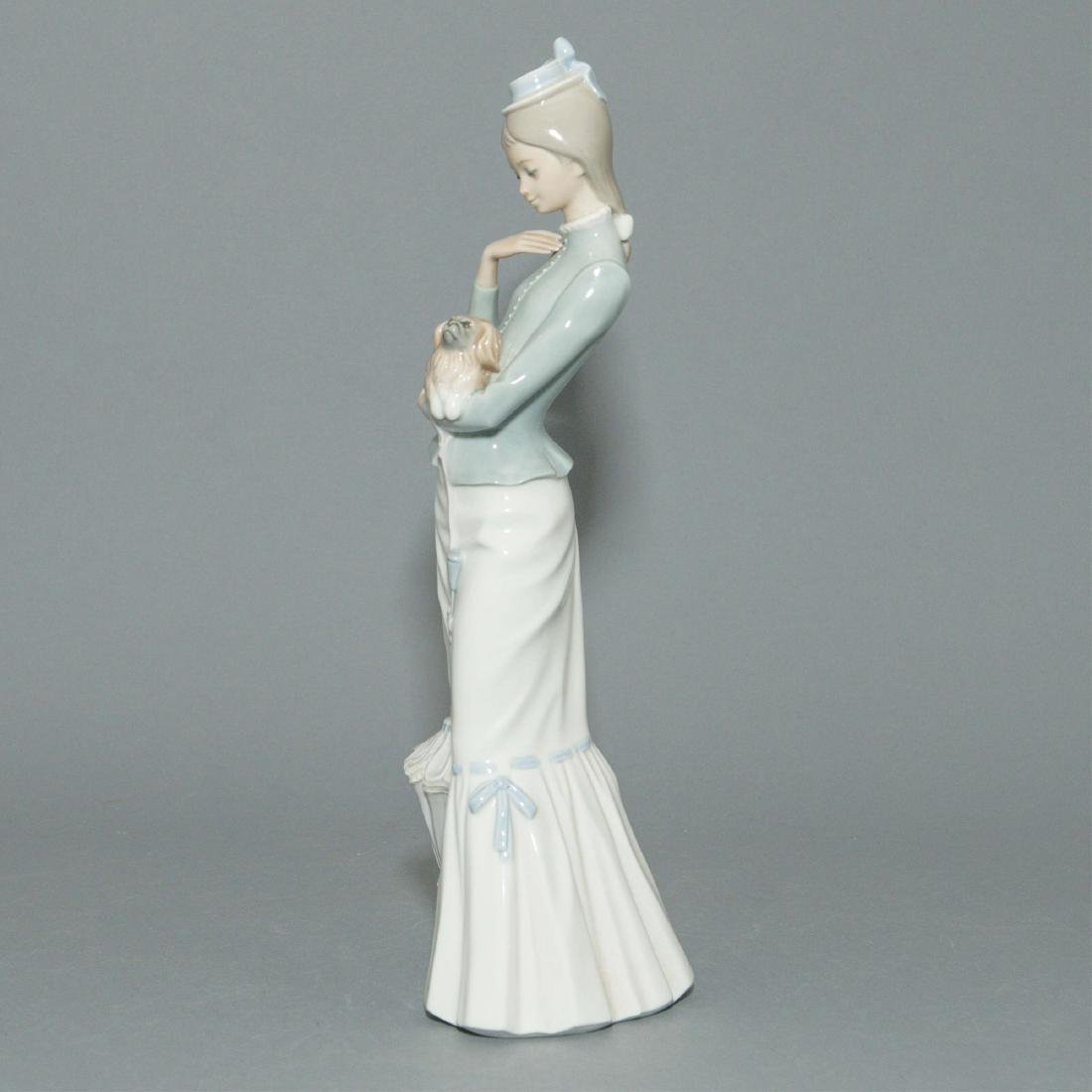 LLADRO WALK WITH THE DOG FIGURINE 4893 - 2