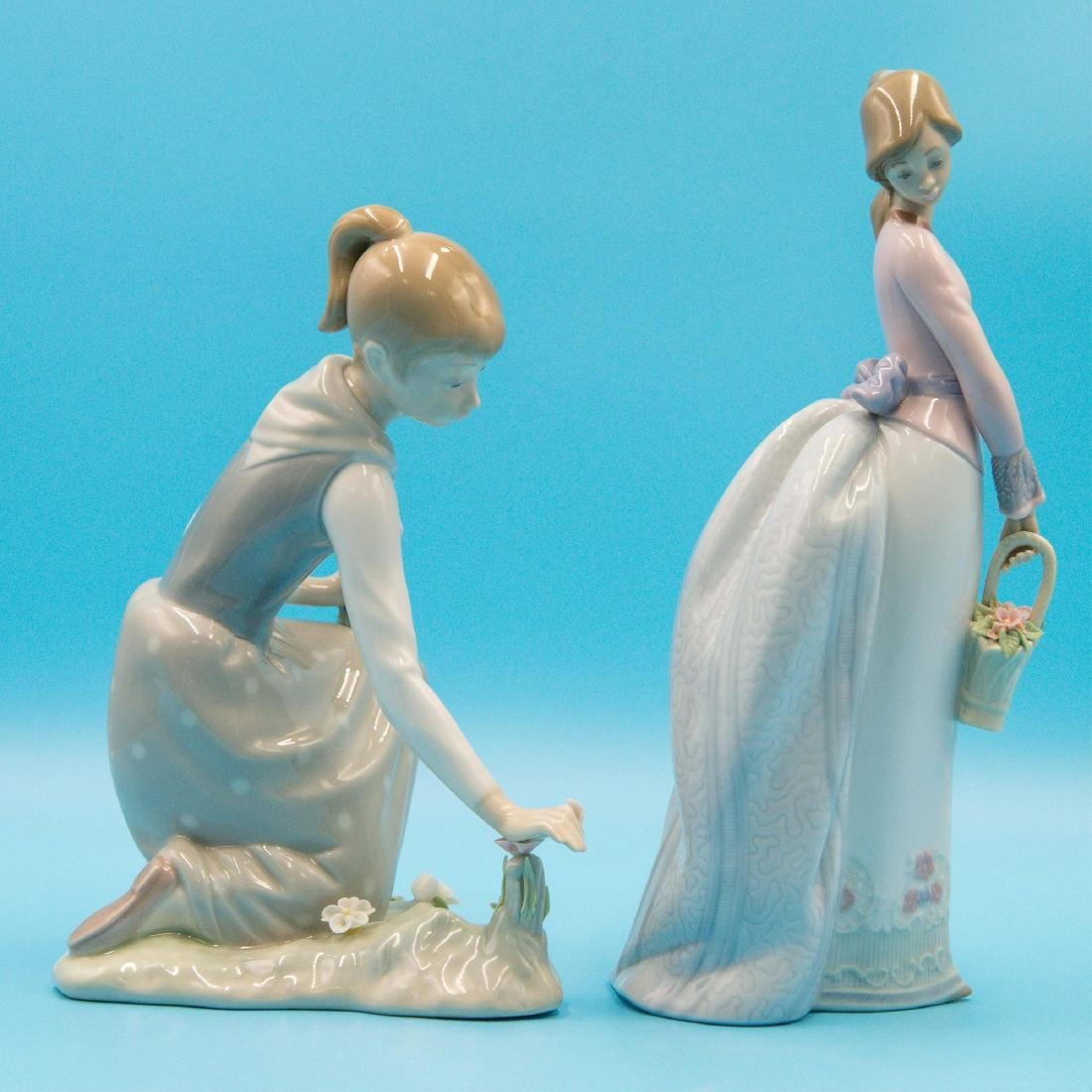 LLADRO 2PCS GIRL WITH FLOWERS AND BASKET OF LOVE - 4