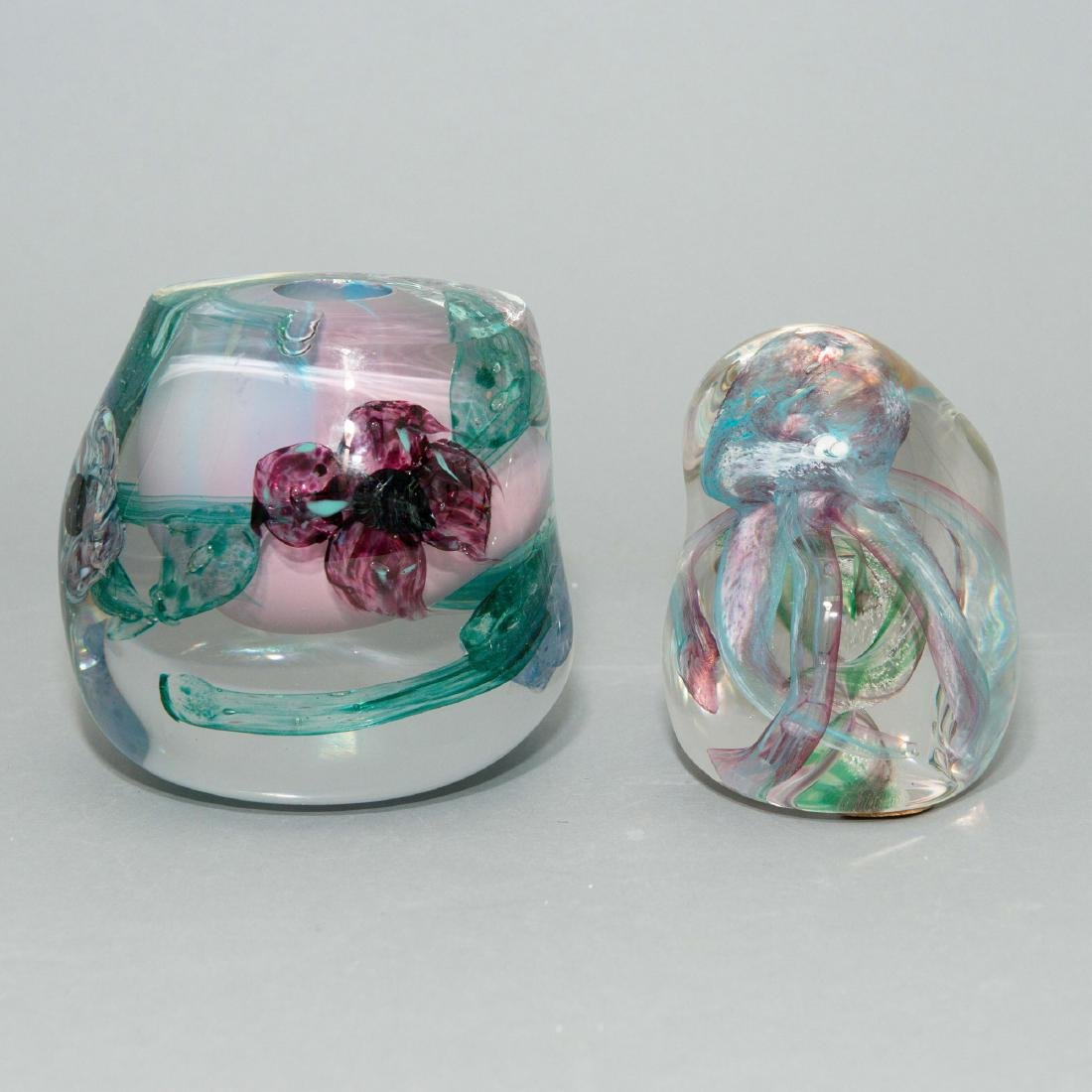 PAIR OF LISA LEYDON ART GLASS VASE AND SCULPTURE - 2