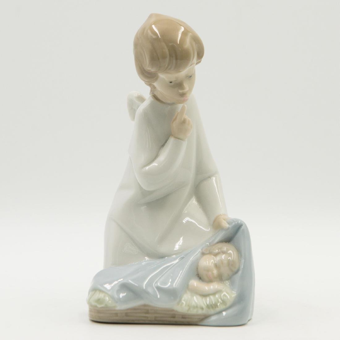 LLADRO ANGEL WITH BABY 4635 FIGURINE