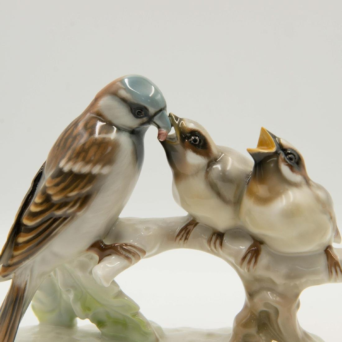 GROUP OF 2 HUTSCHENREUTHER BIRD FIGURINES - 4