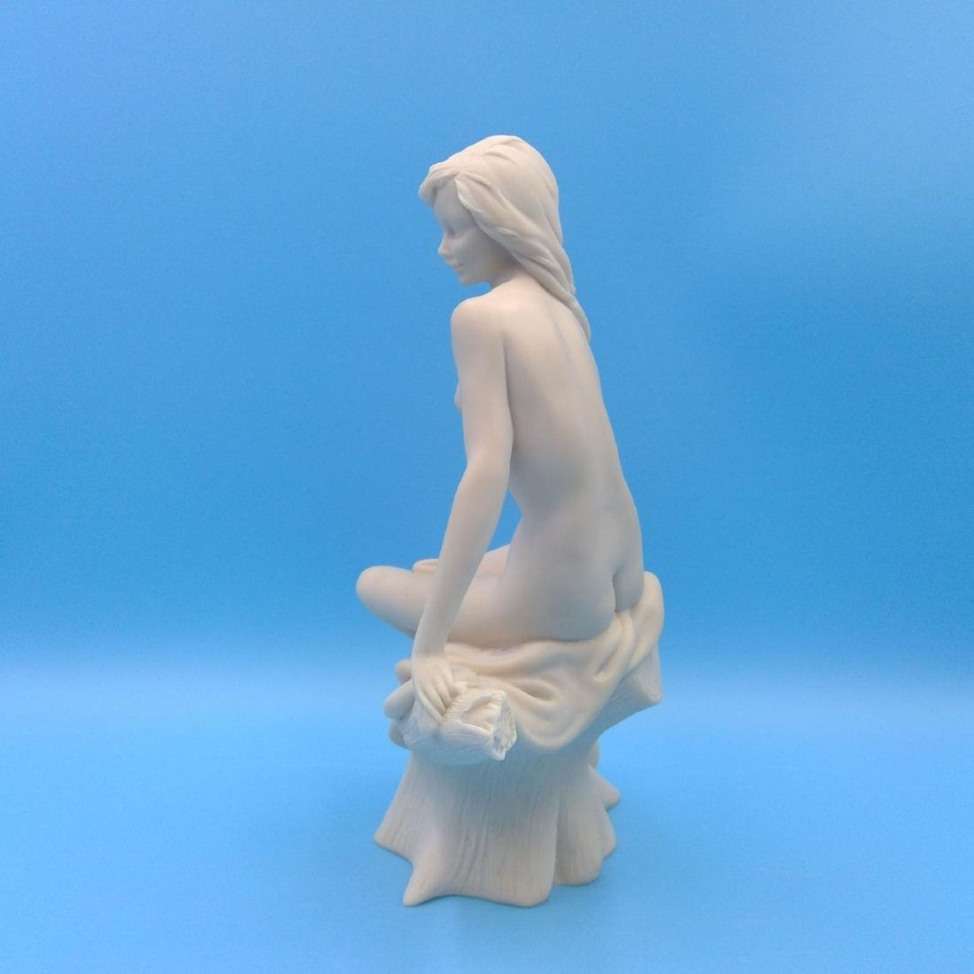 RESIN SCULPTURE OF A NUDE SEATED YOUNG WOMAN - 2