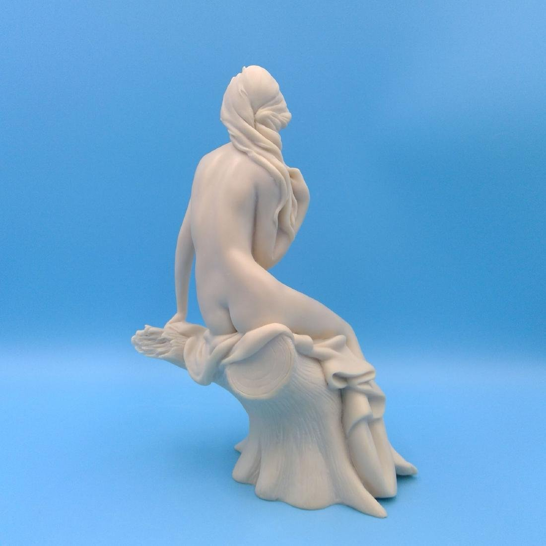 RESIN SCULPTURE OF A NUDE SEATED YOUNG WOMAN - 3