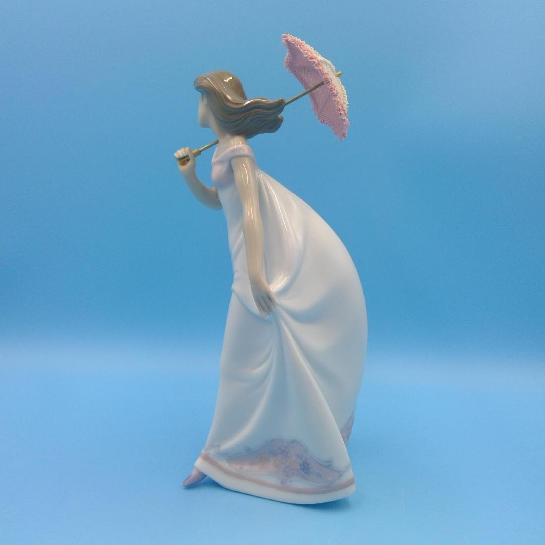 LLADRO PORCELAIN FIGURINE GIRL WITH UMBRELLA - 2