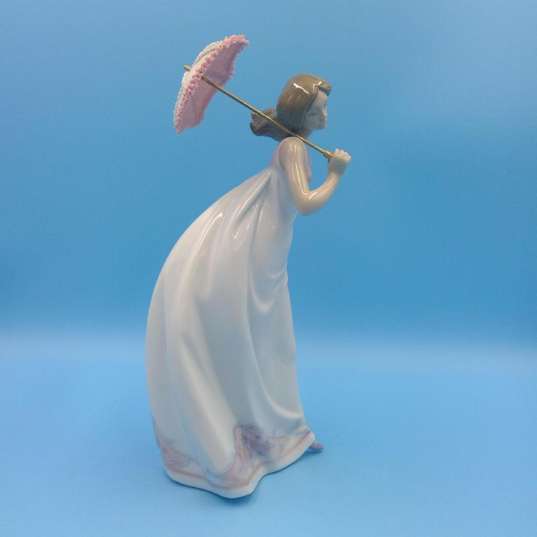 LLADRO PORCELAIN FIGURINE GIRL WITH UMBRELLA - 4