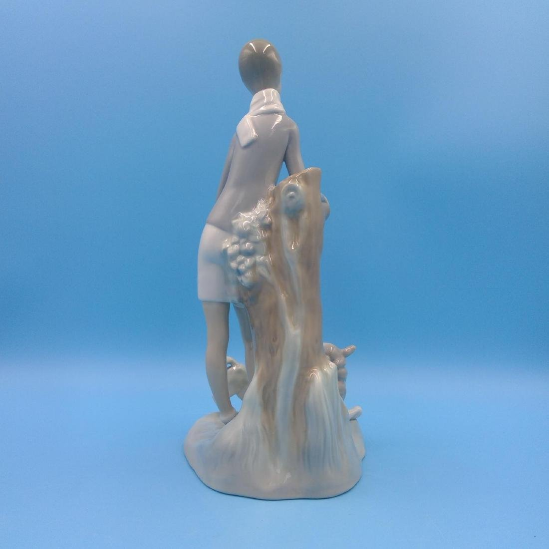 LLADRO PORCELAIN FIGURINE BOY WITH LAMBS - 3