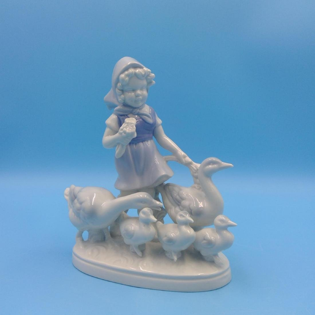 GROUP OF 7 GERMAN PORCELAIN FIGURINES - 5
