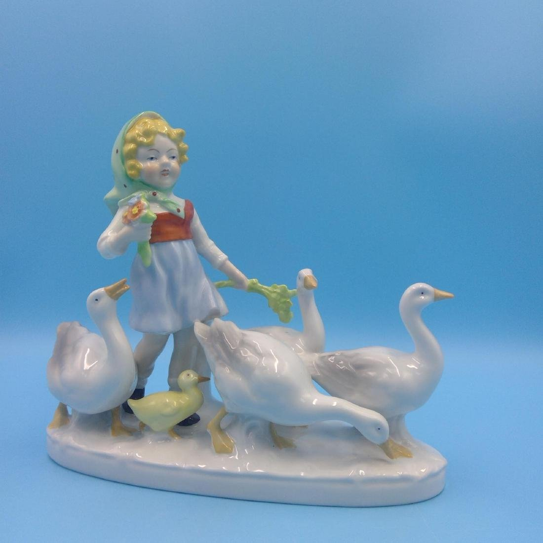 GROUP OF 7 GERMAN PORCELAIN FIGURINES - 6