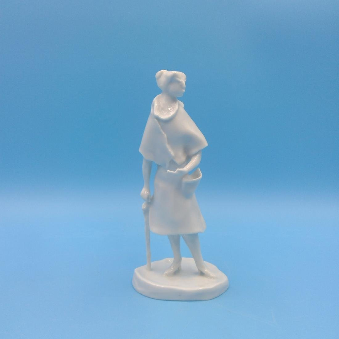ROSENTHAL GERMAN PORCELAIN FIGURINE LADY