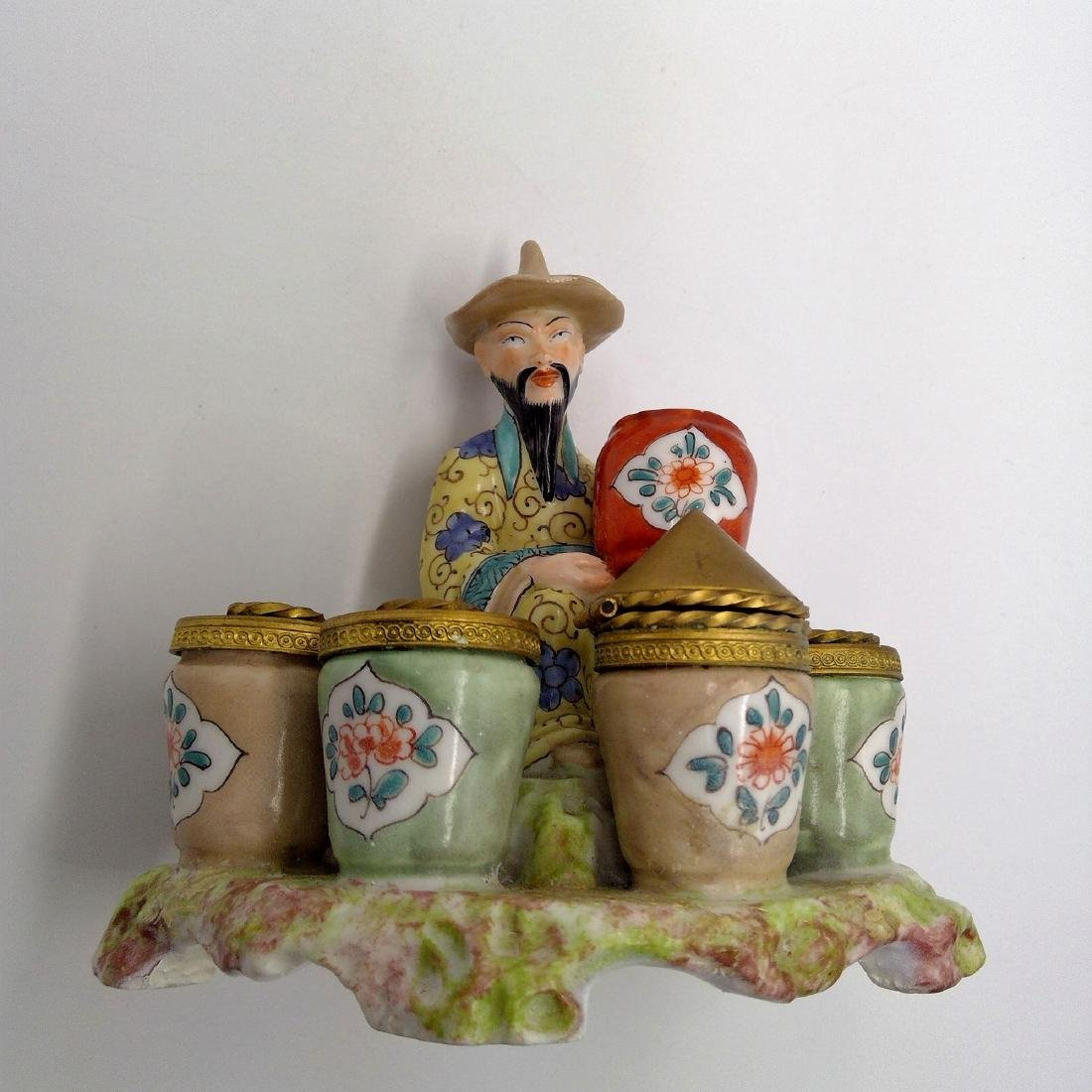 ANTIQUE PORCELAIN & BRONZE INKWELL CHINESE MAN - 9
