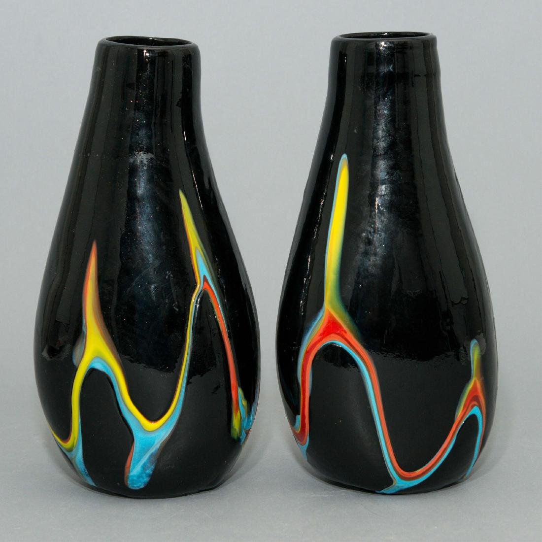 PAIR OF HAND-BLOWN AMERICAN DECORATIVE GLASS VASES