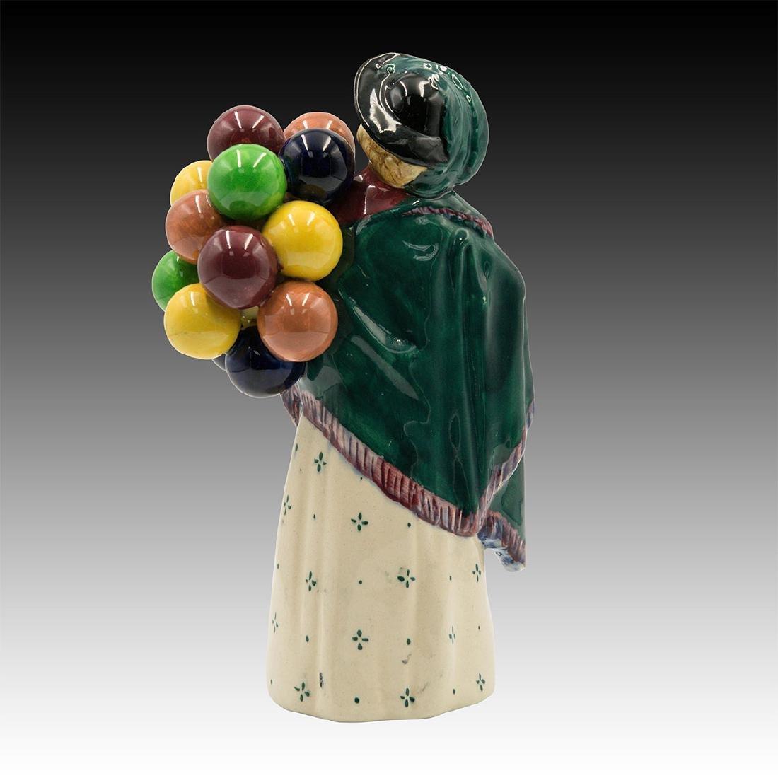 Royal Doulton Figurine Balloon Seller HN 583 - 2