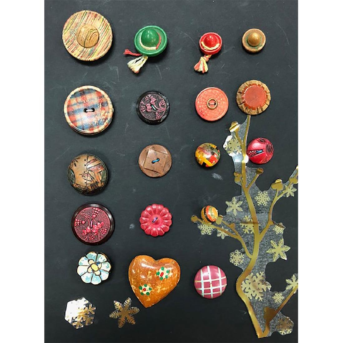 6 CARDS OF HORN/VI/WOOD BUTTONS S/M/L