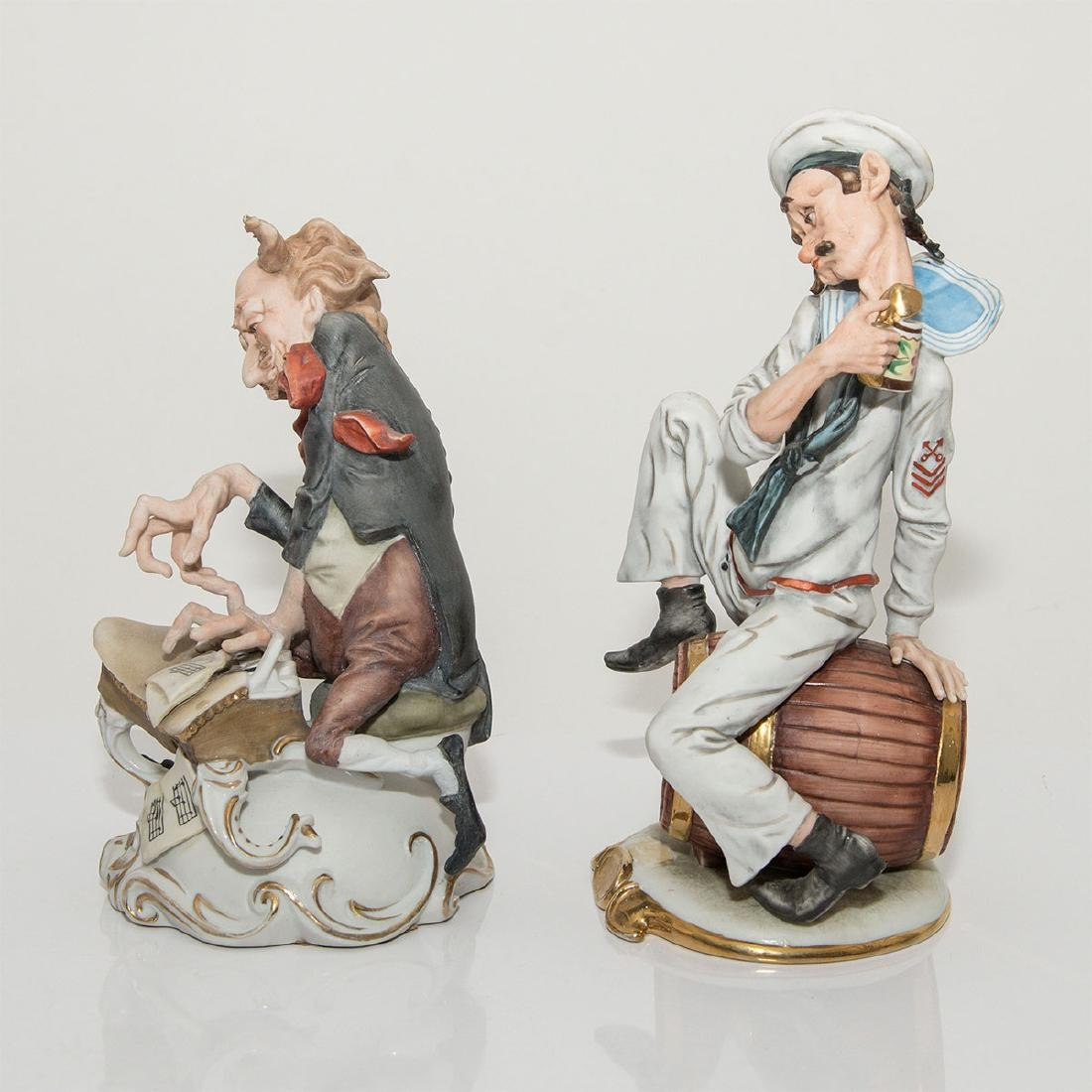 GROUP OF 2 CARICATURE PORCELAIN FIGURINES - 2