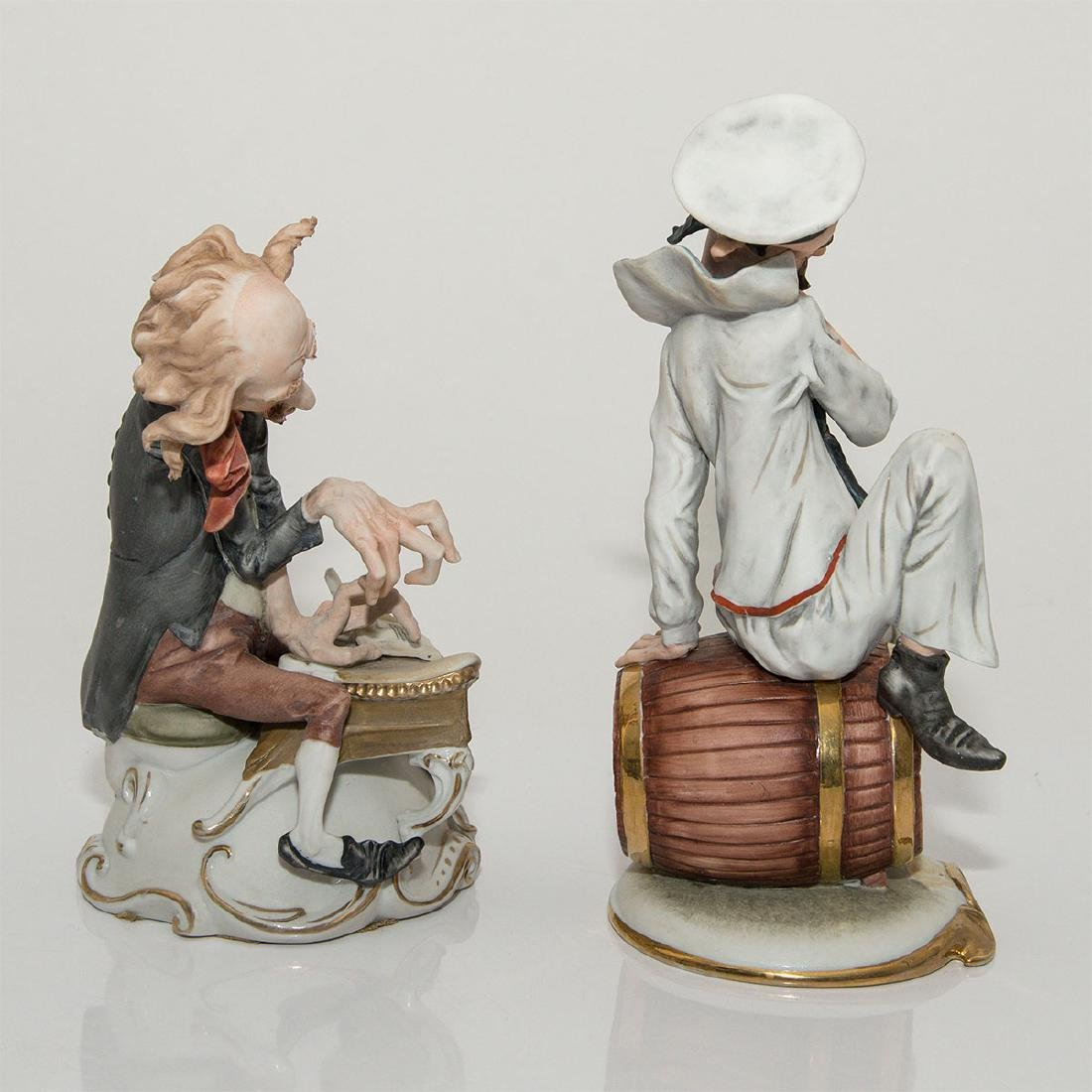GROUP OF 2 CARICATURE PORCELAIN FIGURINES - 4