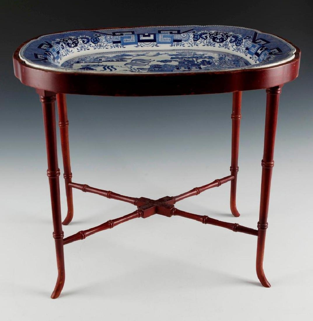 STAFFORDSHIRE DELF BLUE PORCELAIN AND WOOD END TABLE - 4