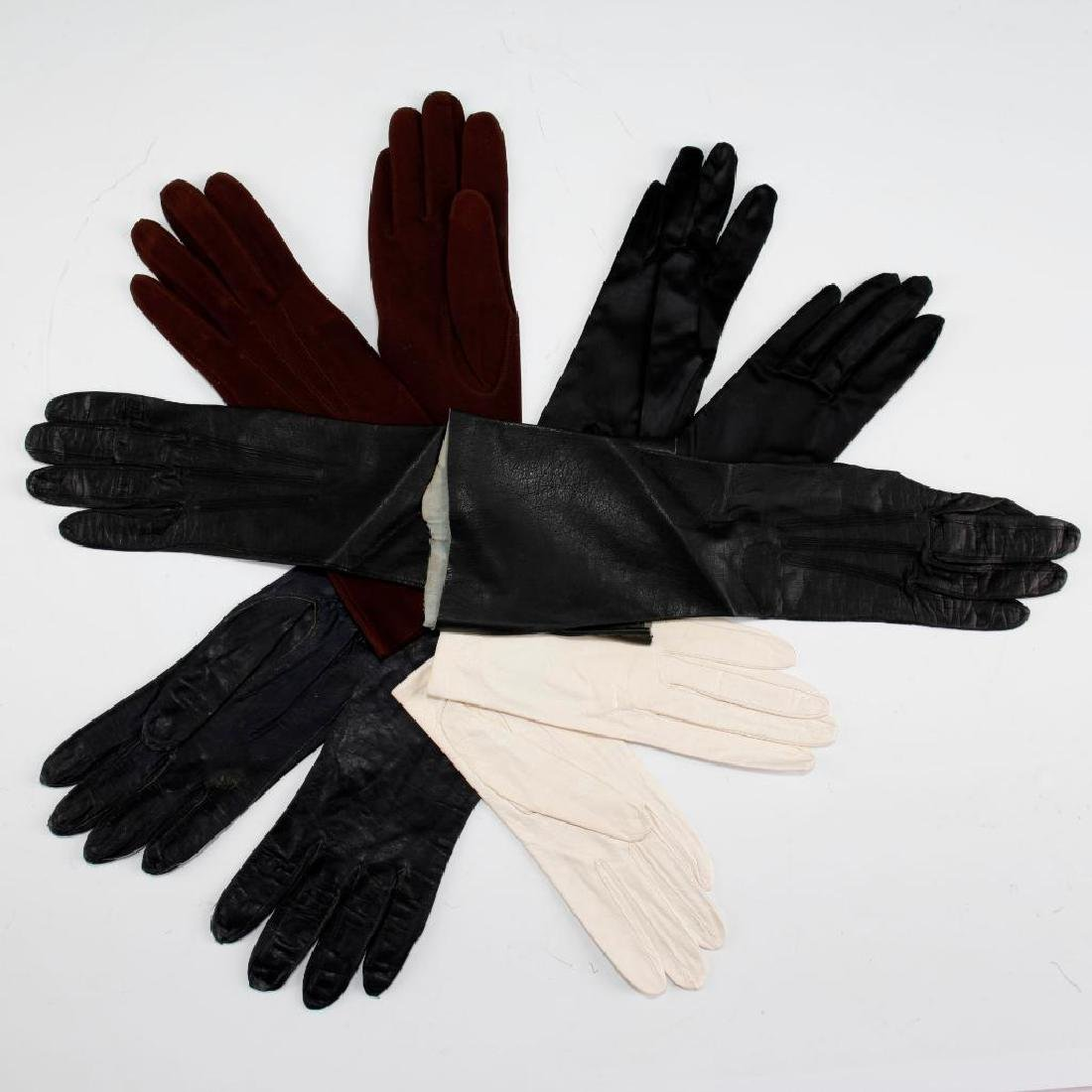 5 PAIRS OF VINTAGE ASSORTED LADIES GLOVES - 2
