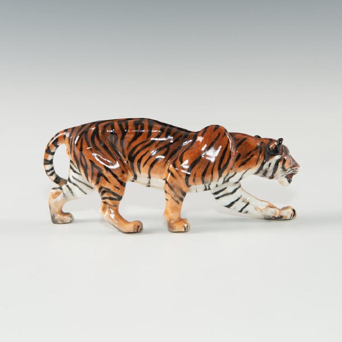 TIGER STALKING (HN1084) ROYAL DOULTON ANIMAL FIGURE - 3