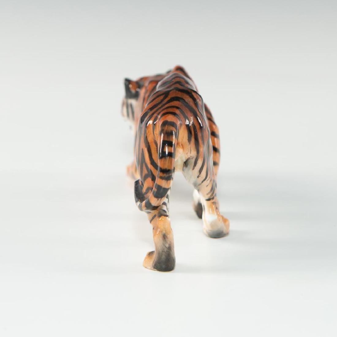 TIGER STALKING (HN1084) ROYAL DOULTON ANIMAL FIGURE - 4