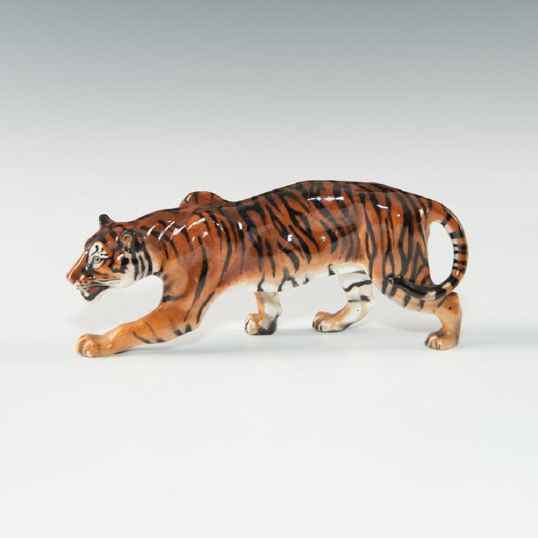TIGER STALKING (HN1084) ROYAL DOULTON ANIMAL FIGURE - 5