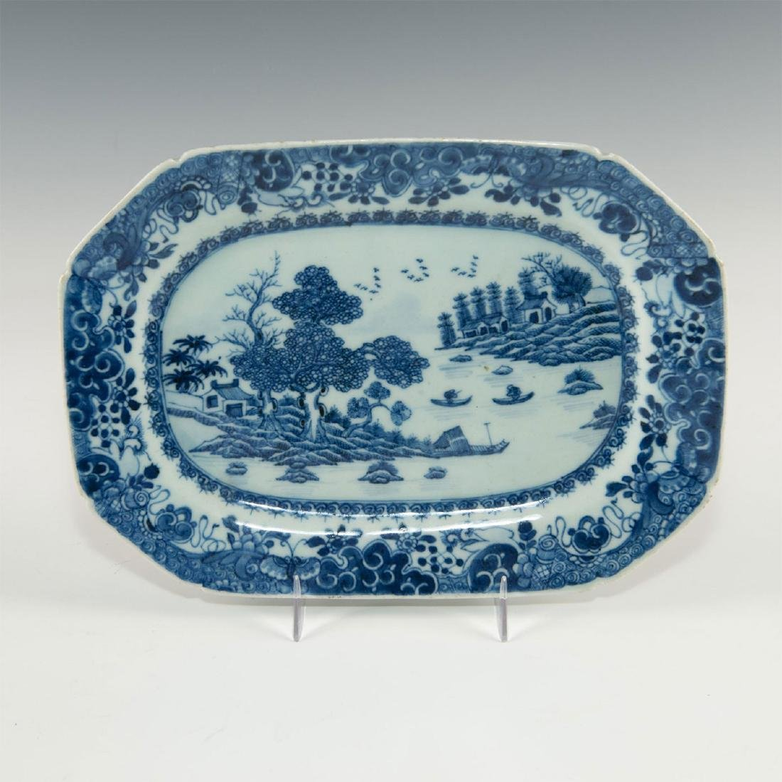 TWO BLUE WHITE CHINESE PORCELAIN SMALL PLATTERS IN - 2