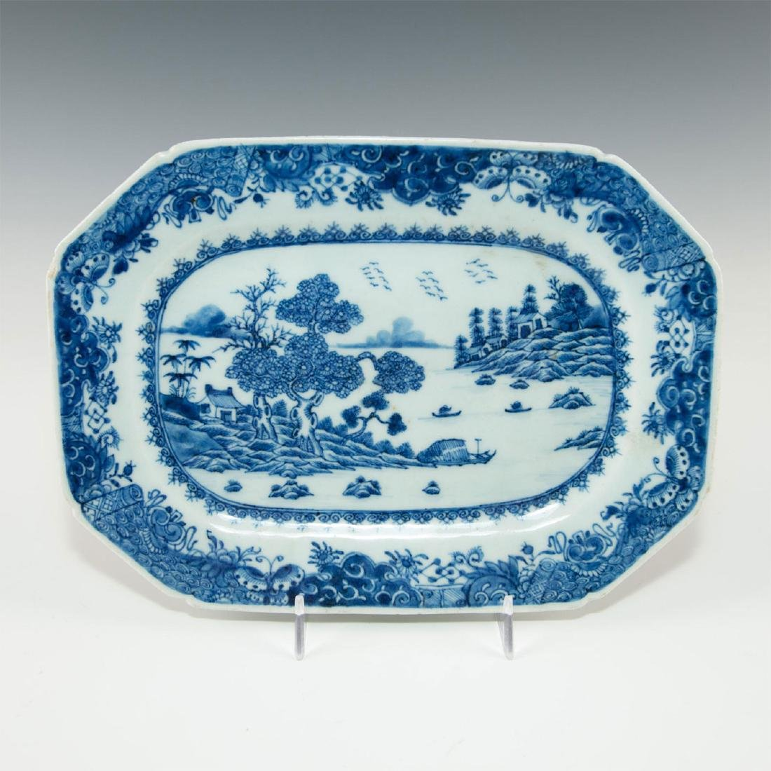 TWO BLUE WHITE CHINESE PORCELAIN SMALL PLATTERS IN - 4